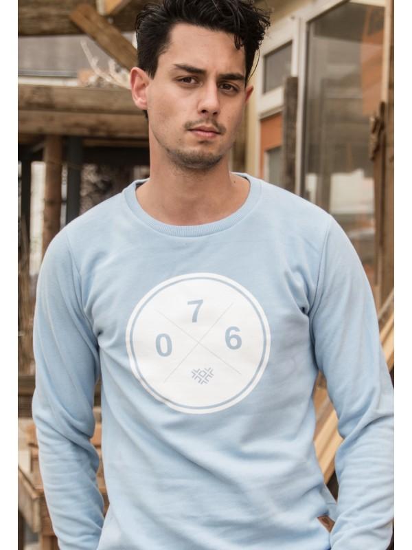 Sweater licht blauw | 076XXX wit