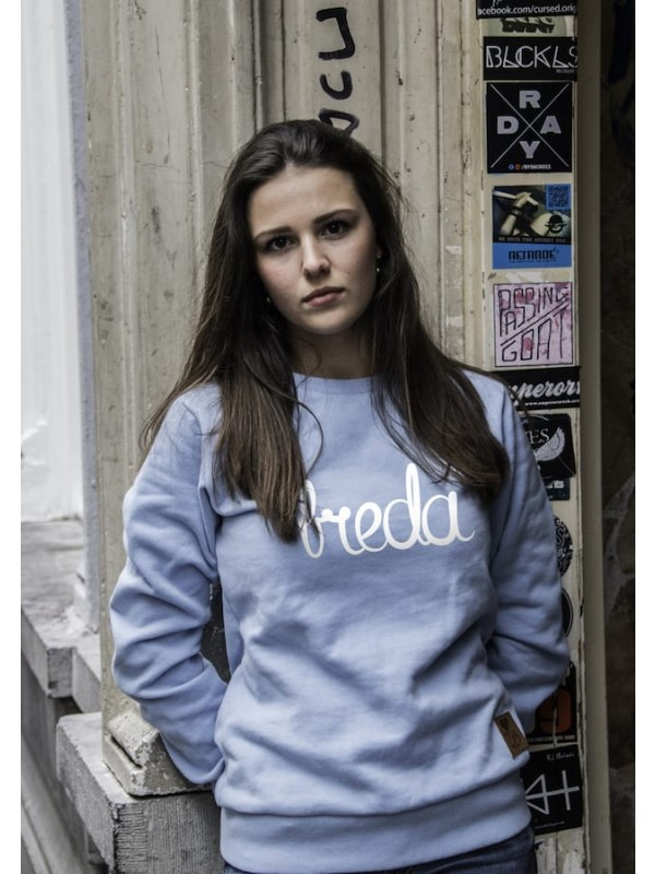 Sweater licht blauw | Breda wit