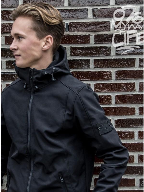 Softshell jas zwart | Embleem Breda mouw zwart